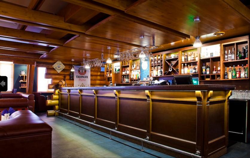 Bancone In Legno Costruito Artigianalmente : Arredo bar: banconi per bar su misura lavorazioni di prestigio