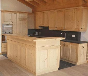 Cucine rustiche montagna il meglio del design degli interni - Cucine in abete ...
