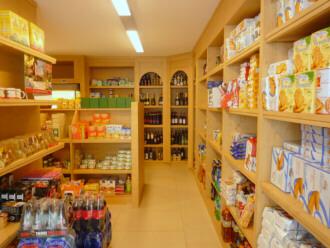 mobili su misura- arredamenti su misura di qualità: arredamenti in ... - Idee Arredamento Negozio Frutta E Verdura