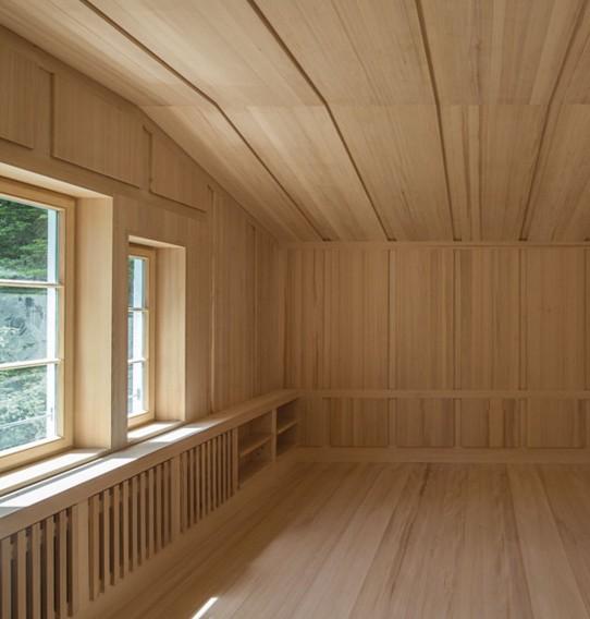 boiserie moderne su misura in legno milano