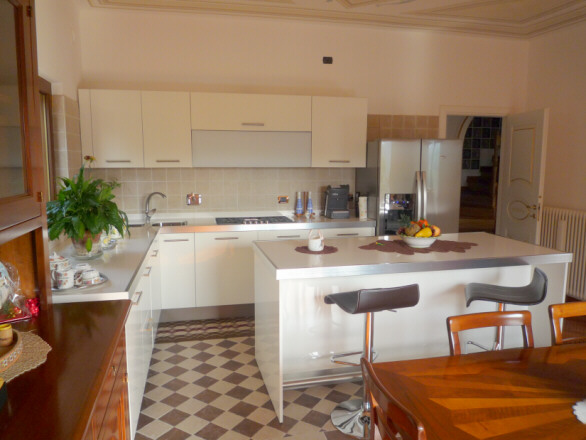 Cucine Ad Angolo Con Isola. Amazing Modello Di Cucina Moderna Con ...