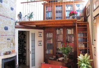 Librerie soggiorno a soppalco