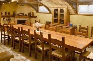 Arredamenti taverne for Arredare taverna